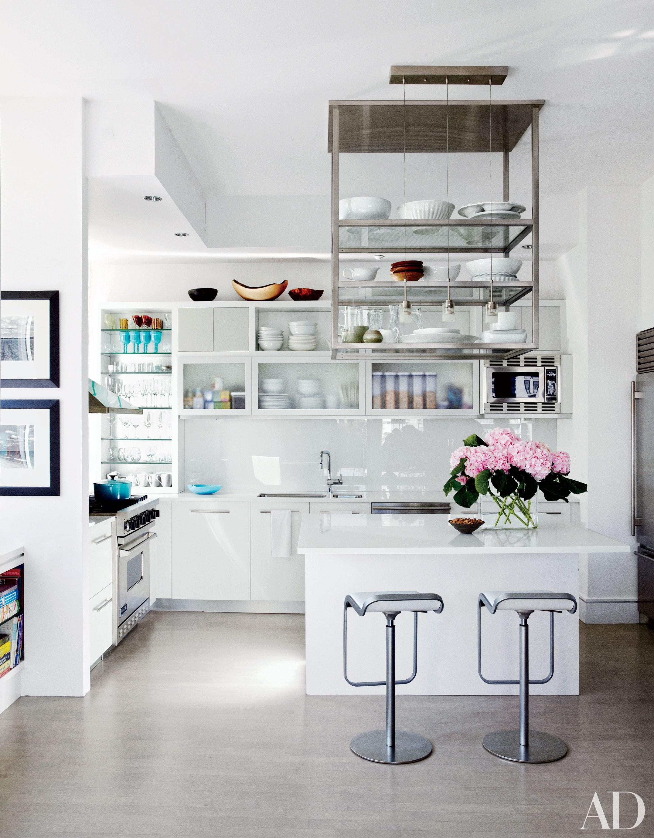 photo cond nast in the kitchen of actress julianna marguliess manhattan home designed - Manhattan Kitchen Design