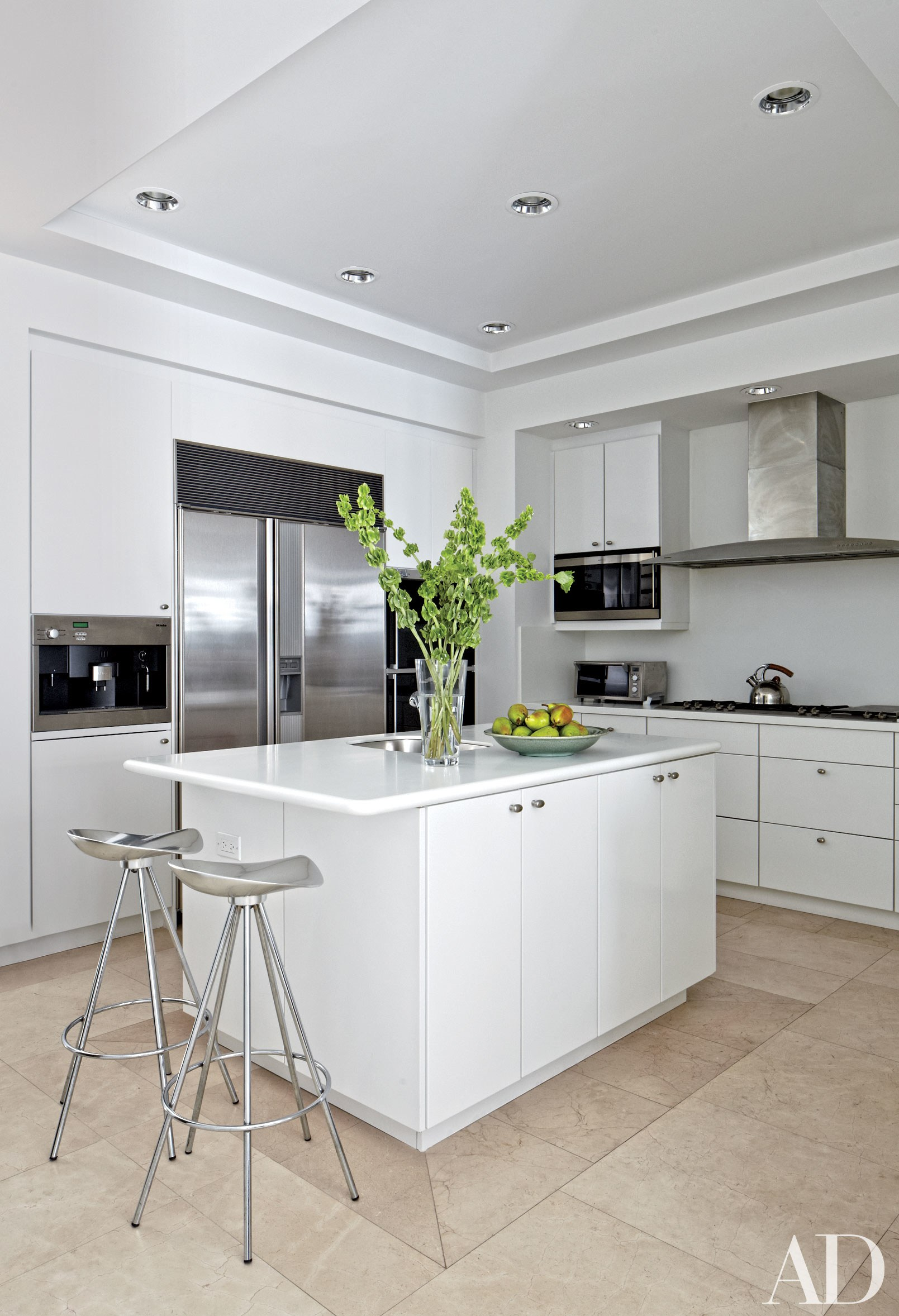 WHITE HOT KITCHENS…PICK YOURS AT KITCHEN EXPO